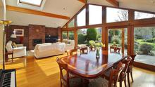 The airy living room, dining and kitchen extension