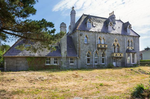 Side view of Glandore House
