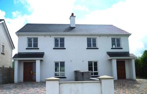Four-bed semi-detached homes in Cluain Milain