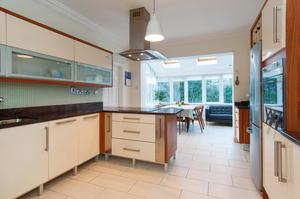 The modern fitted contemporary kitchen/breakfast room