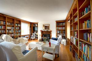 The book-shelved living room