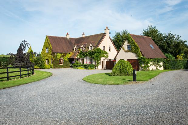 Abhainn Lodge exterior, with its 'Cotswolds' design