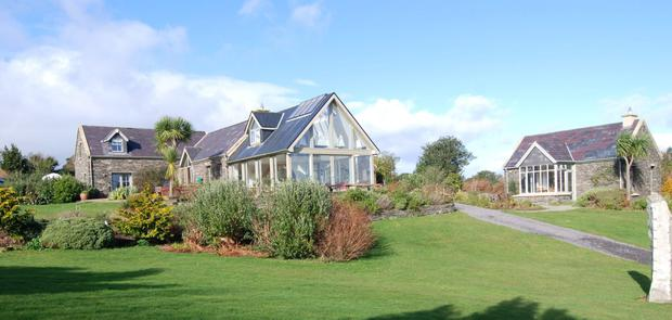Cluain Álainn sits on two and a half acres,with a shoreline barbecue and picnic area