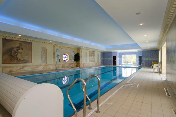 Shadow Glen's 17 metre heated swimming pool is complement by a sauna, steam room and jacuzzi