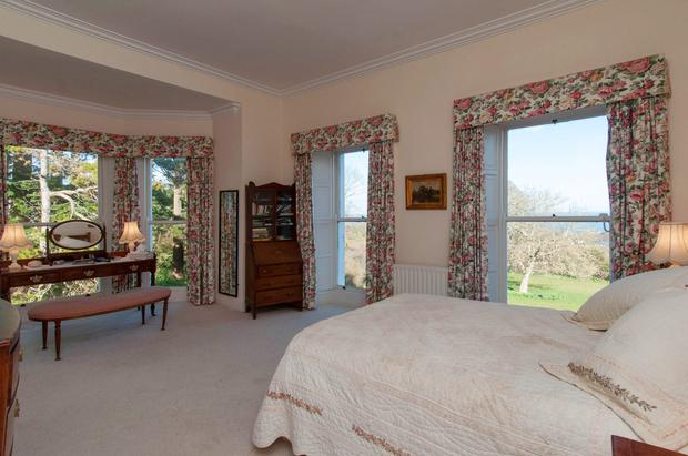 One of the double bedrooms at Templecarraig House