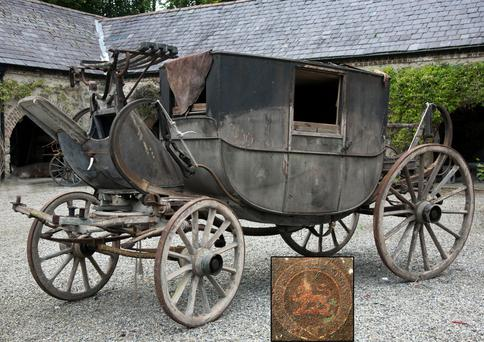 19th century carriage in the Furness sale and (inset) the coat of arms