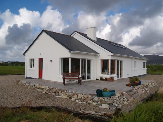 Achill Shore View sits on 1.7 acres of lawn and wild meadow and is just 200 metres from the shoreline.