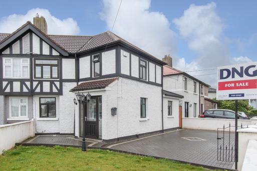 The house at 8 Annaly Road has been extended with the total floor area now at 1,022 sq ft