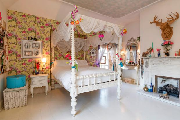 Adele King (Twink): Another fairytale bedroom in Knocklyon