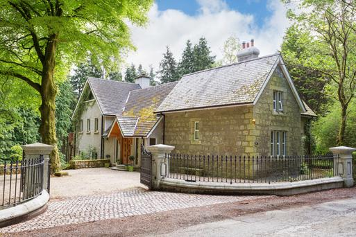 Granite Lodge is a 19th-century workman's cottage that has been extended