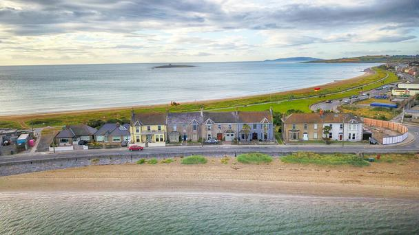 Harbour House enjoys sea views to the front and rear