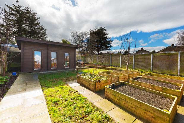 Garden room and vegetable beds