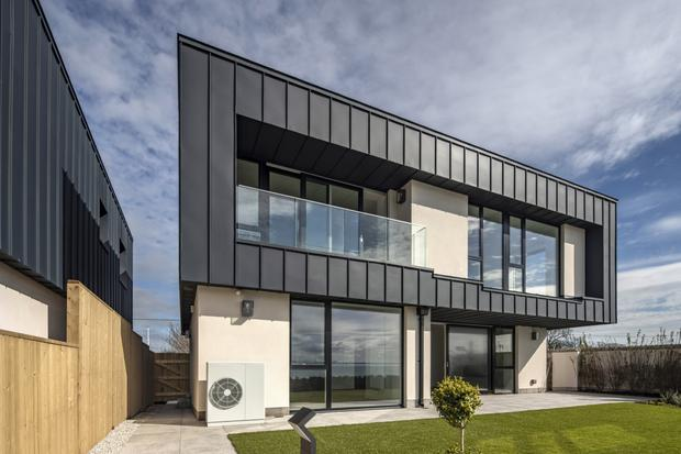 Sea Frontage: Malibu-style beach house in Dublin... the master ... on