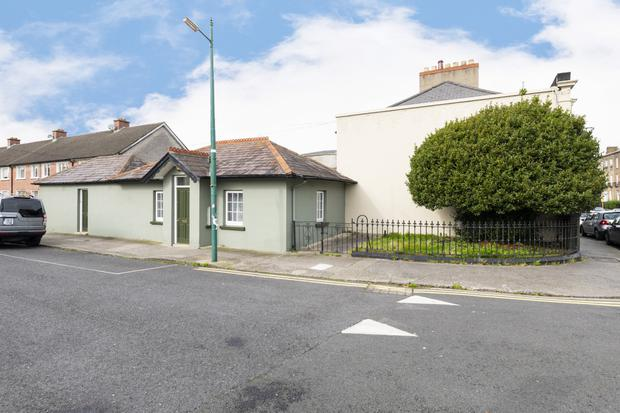 The cottage at 61 York Road