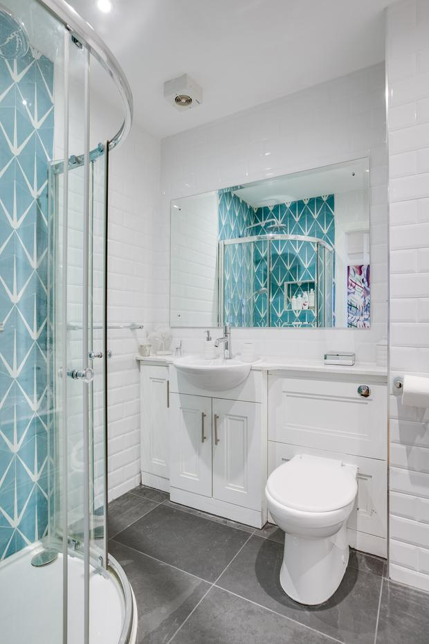 Vogue used lily-pad pattern tiles in the bathroom