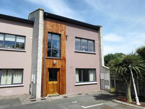 Three-bedroom detached townhouse at Merrion Mews
