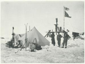 Freeze frame: A photo of the 'Weddell Sea Party, 1914, 1915, 1916' by Frank Hurley