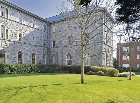 One-bed apartment in convent building, €165k