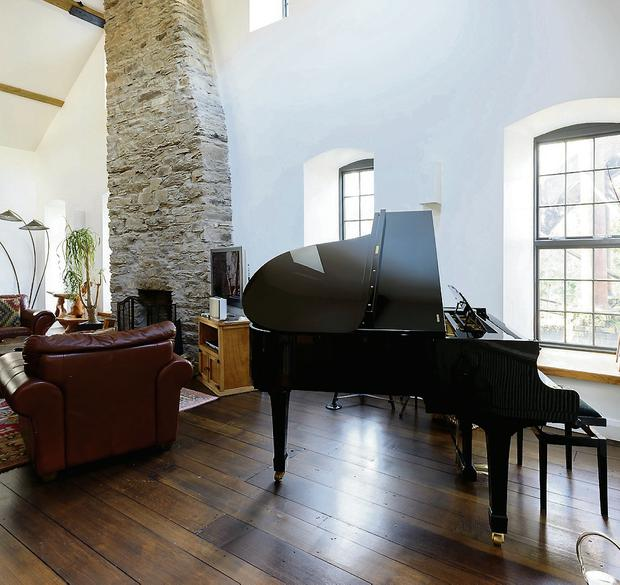 The drawing room of Dromore Mill