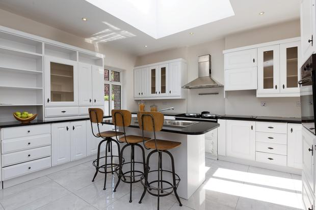 A modern kitchen/dining area