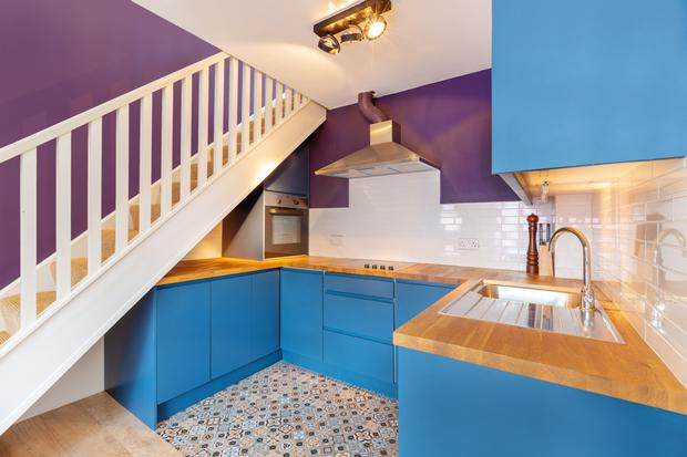 Kitchen with wall tiles from New York