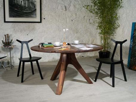 A Pemara Design Viezla table and chairs.