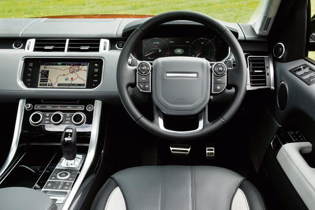 The dashboard and interior of the Range Rover Sport