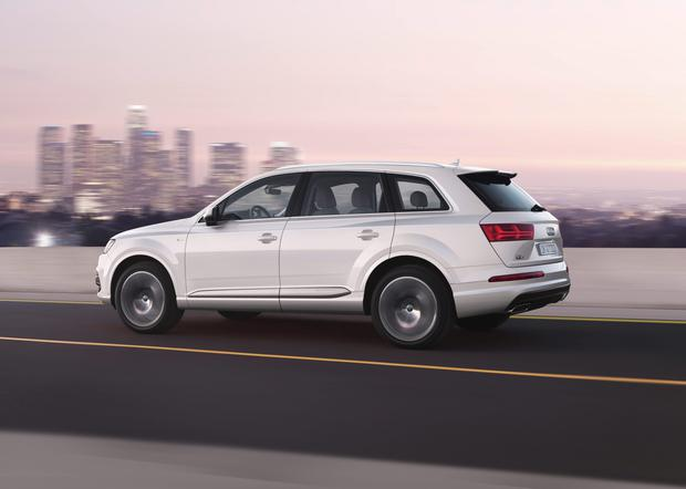 Q Is For Quiet As Audis Slimmer Q SUV Shows Its No Shrinking - Audi suv q7
