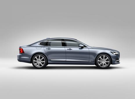 Mid-sized executive saloon: Volvo S90.