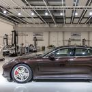 Luxury saloon: Porsche Panamera.