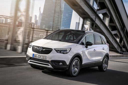 opel doubles up with the new crossland x mix of mpv suv. Black Bedroom Furniture Sets. Home Design Ideas