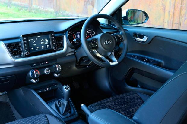 first drive kia hoping buyers go 39 super stonic 39 for 18 599 small suv. Black Bedroom Furniture Sets. Home Design Ideas