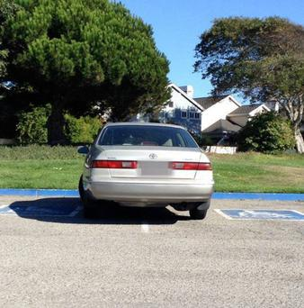 Illegal parking in disabled spot