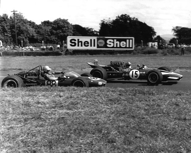Chris Sommers and David Hobbs single-seater racing in the 1970s at Mondello