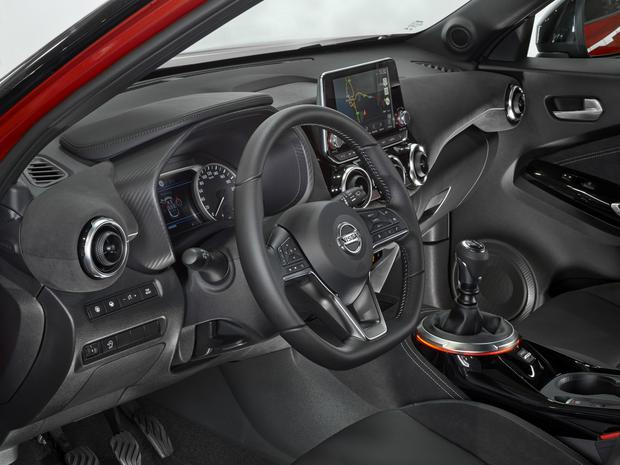 The dash and interior of the Nissan Juke