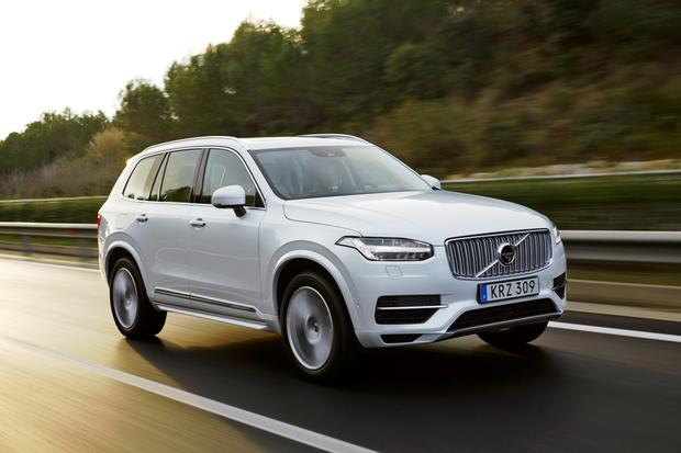Cars Volvo Xc90 Plugging Into Electric Dreams