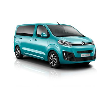 Van-like drive: Space Tourer