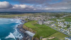 An aerial shot of Lahinch, Co Clare. Photo: Twitter / @ClareTourism & @ClareCoCo