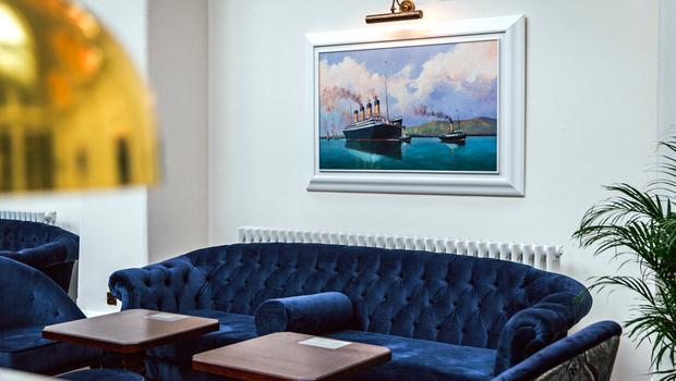 Titanic Hotel Belfast: Bar Lounge in the Drawing Office
