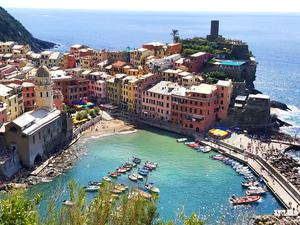 Vernazza, Liguria. Photo: Twitter / @dublin_damo