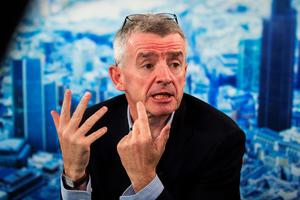 Michael O'Leary, chief executive officer of Ryanair Holdings Plc, gestures as he speaks during a Bloomberg Television interview in London, U.K., Nov. 3, 2014. Photo: Simon Dawson/Bloomberg via Getty Images