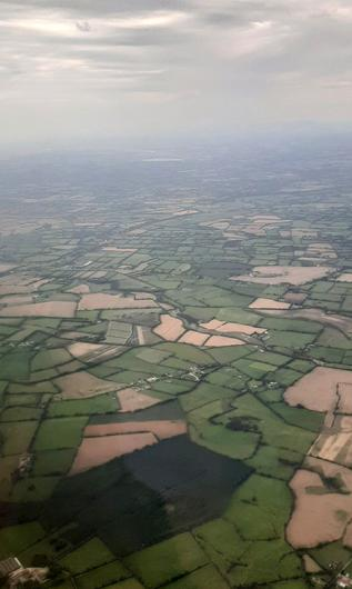 'There really is no place like home. The obligatory 'coming in to land' photo'. Pic: Twitter / @BCallig