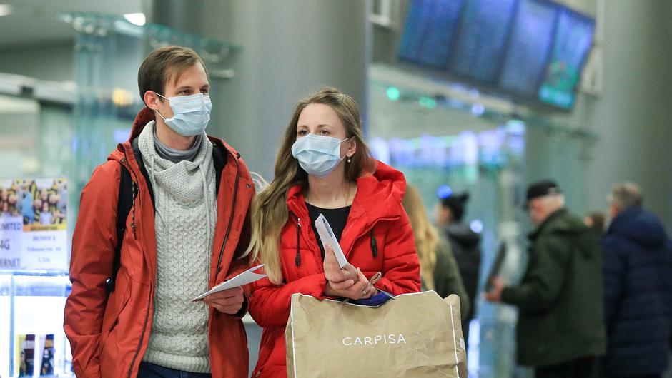 Passengers travelling during the pandemic. Photo by Sergei Bobylev\TASS via Getty Images