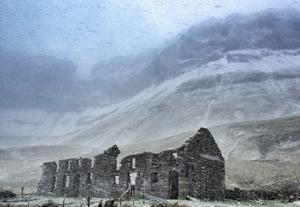 'The old school house at the Gleniff Horseshoe, Co Sligo, during a blizzard'. Photo: Val Robus / Twitter / @magnumlady