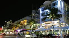 Loud and expensive: Ocean Drive in Miami with its iconic Art Deco architecture is a fantastic spot to enjoy the city's nightlife