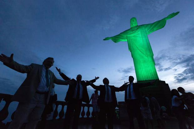 A delegation led by Minister Jan O'Sullivan TD, Minister for Education and Skills, at a previous greening of Rio's Christ the Redeemer statue in Brazil. Photo: Twitter/Consulate General of Ireland in Sao Paolo (@IrlSaoPaolo)