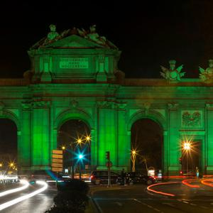 Puerta de Alcalá in Madrid joins Tourism Ireland's Global Greening, to celebrate the island of Ireland and St Patrick. Pic – Diego Sinova