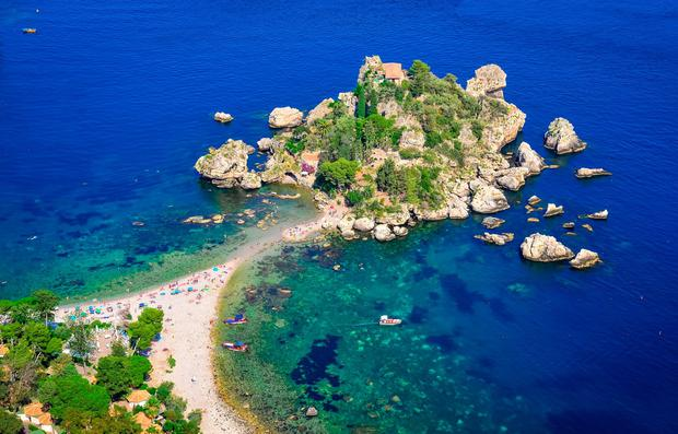 Isola Bella, Taormina, Sicily. Photo: Deposit