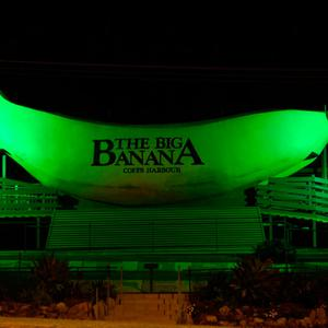 he Big Banana in Coffs Harbour, New South Wales (Australia), one of Australia's famous 'Big Things', joins Tourism Ireland's Global Greening initiative, to celebrate the island of Ireland and St Patrick.