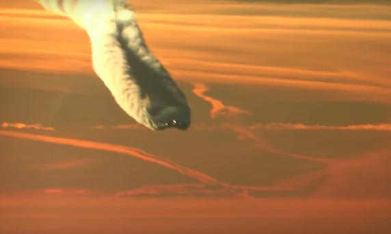 Screengrab: Contrails captured by YouTube user Lou747.